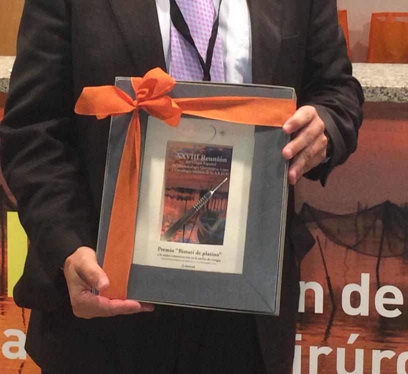 """Premio """"Bisturí de Platino"""" a la mejor comunicación científica en Cirugía Dermatológica"""