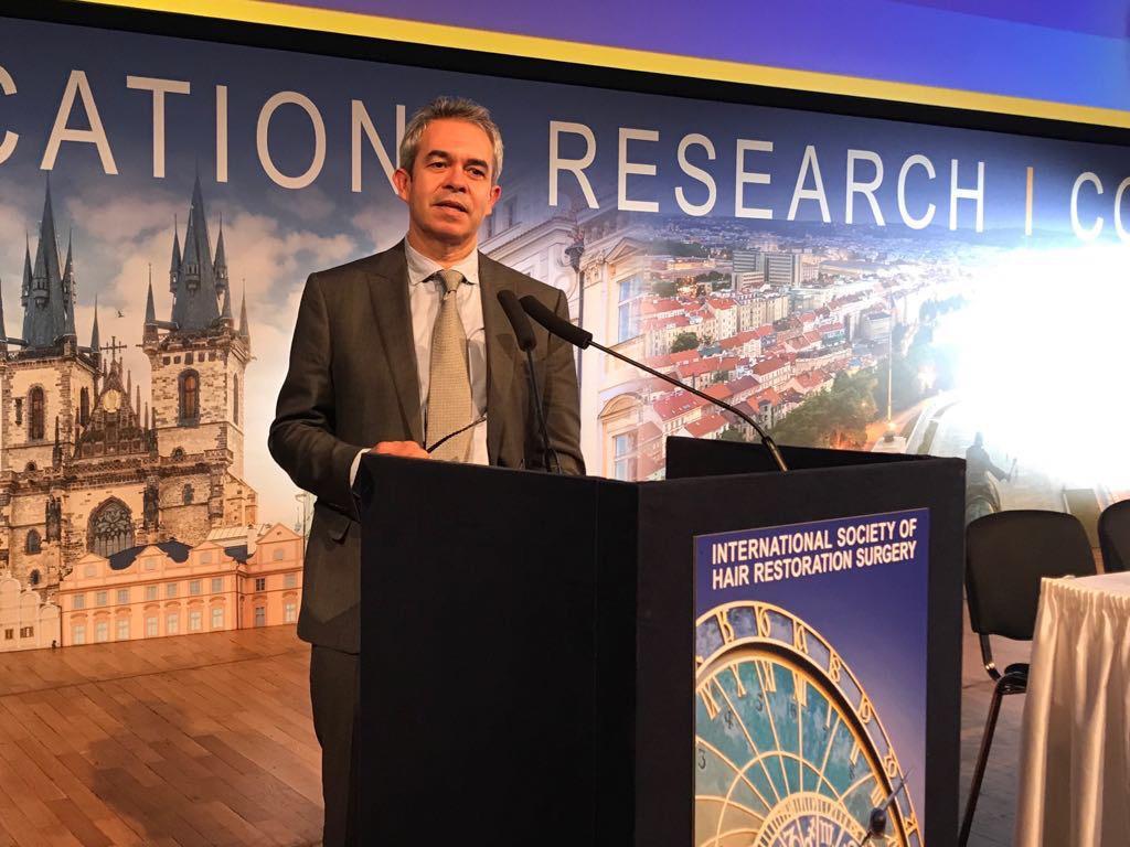 25 Congreso Mundial de Trasplante de Pelo del ISHRS en Praga.