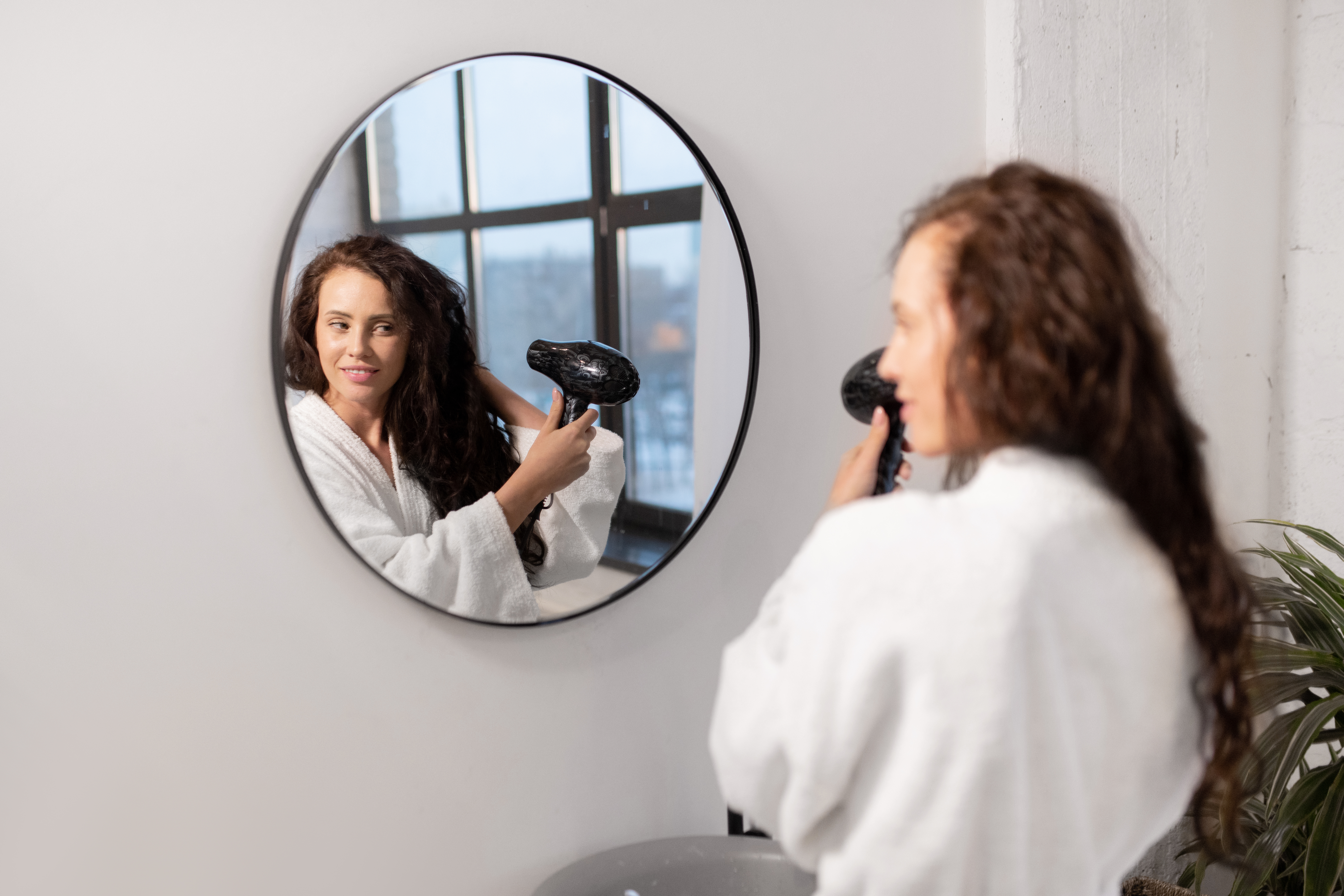 ¿Debería lavarme el pelo después de salir a la calle durante la epidemia del COVID-19?